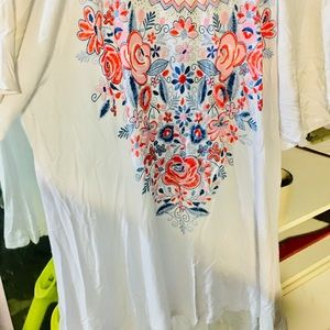 Cute, White Blouse With Pretty Flower Pattern!